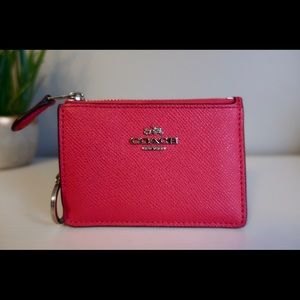 BARELY USED COACH WALLET WITH KEY CHAIN ATTACHED